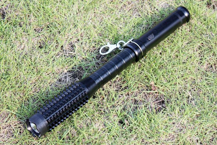黑鹰1118型狼牙棒金属电击器 狼牙电击棒
